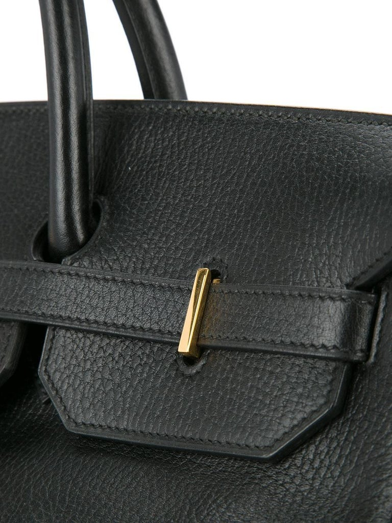 Hermes Birkin 35 Black Leather Gold Carryall Satchel Travel Travel Tote Bag  In Excellent Condition For Sale In Chicago, IL
