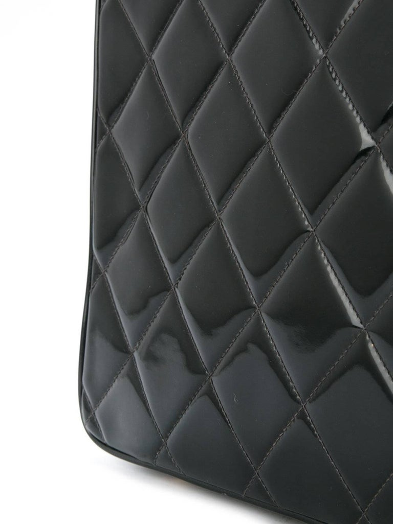 Chanel Black Patent Top Handle Lunch Box Carryall Shoulder Bag In Good Condition For Sale In Chicago, IL