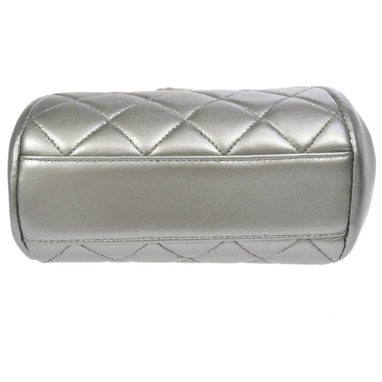 Women's Chanel Silver Leather Party Kisslock Evening Flap Shoulder Bag For Sale