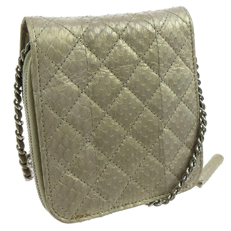 Chanel Python Iridescent Evening Wallet on Chain WOC Crossbody Shoulder Flap Bag In Excellent Condition For Sale In Chicago, IL