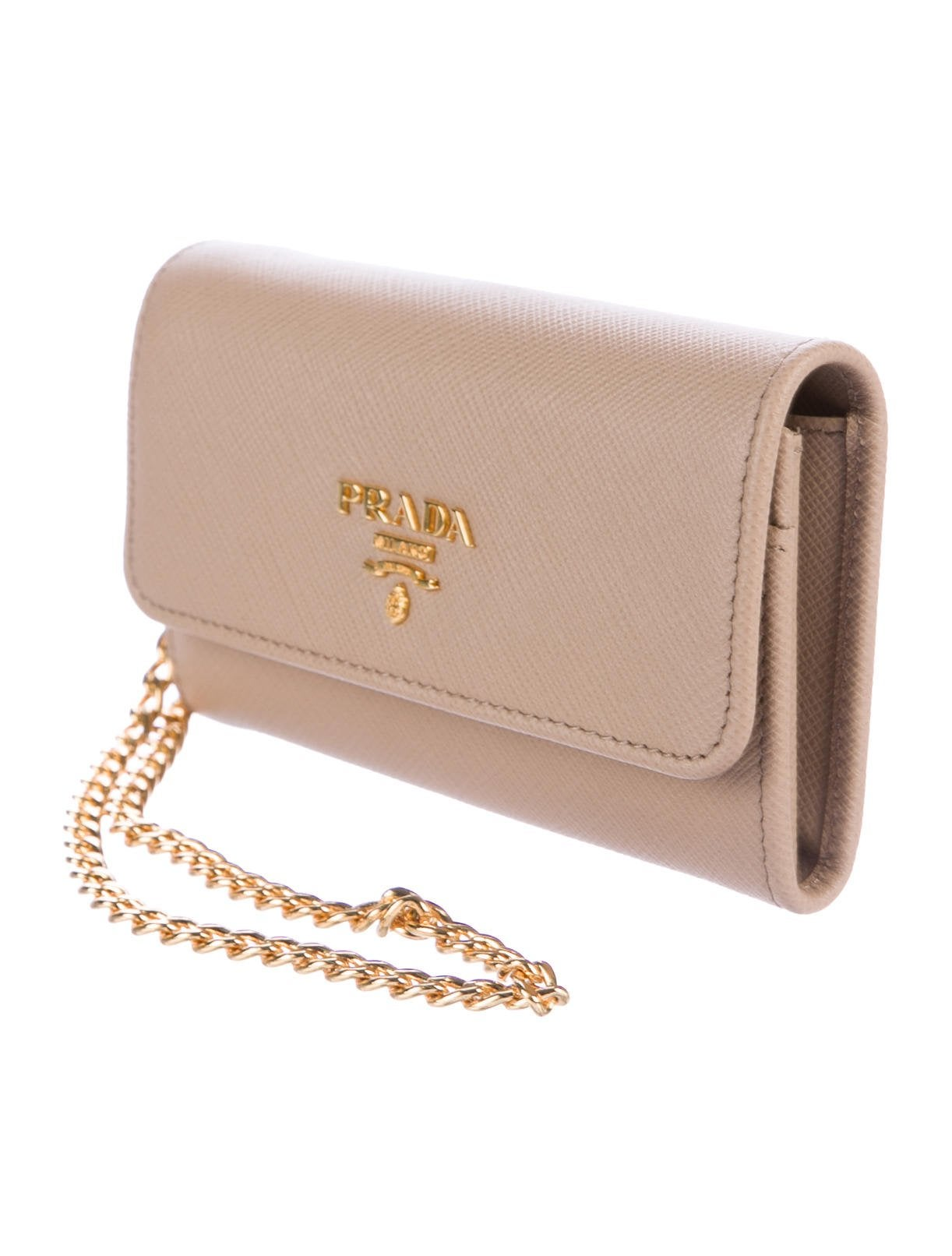 a69c7d9fe21c83 Prada New Nude Leather Gold 2 in 1 Wallet on Chain WOC Clutch Flap Bag in  Box at 1stdibs