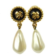 Chanel Gold Pearl Clover Charm Dangle Drop Evening Earrings in Box