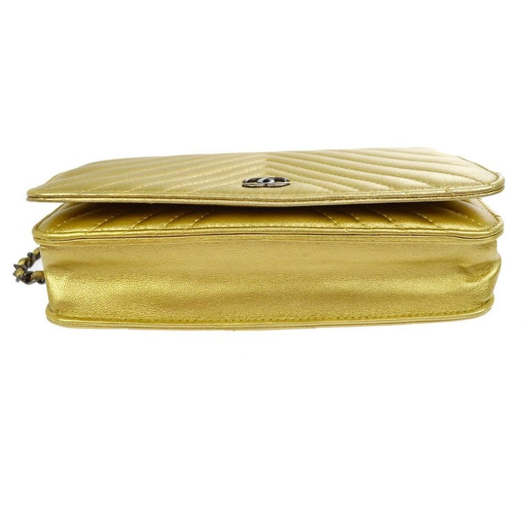 Chanel Gold Leather Chevron Wallet on Chain Clutch Evening Shoulder Flap Bag For Sale 1