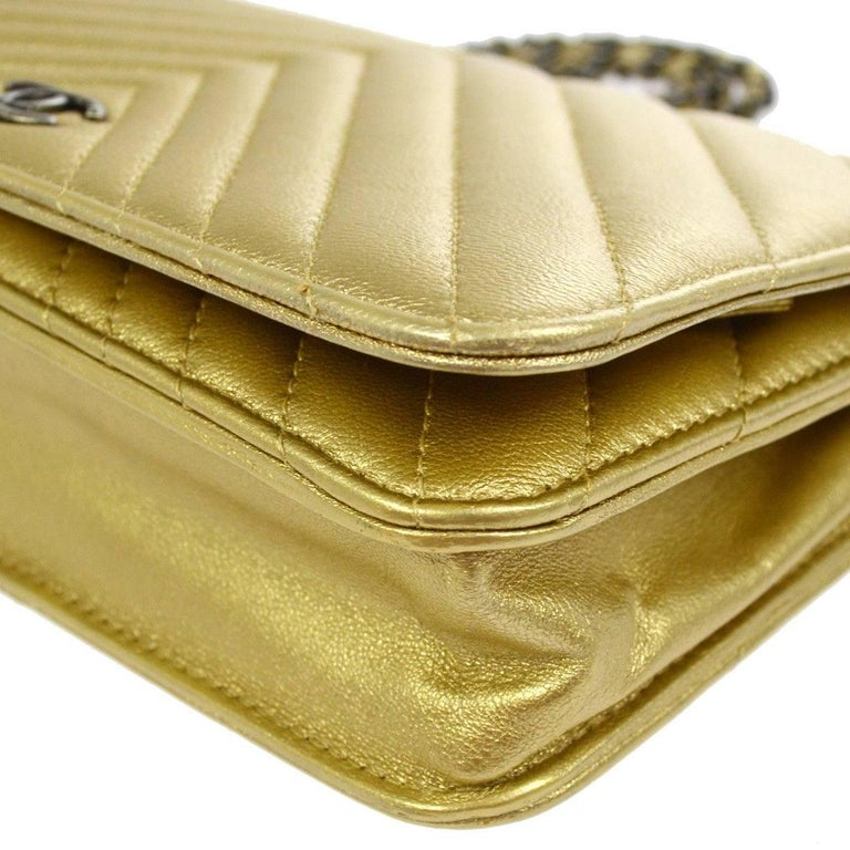 Chanel Gold Leather Chevron Wallet on Chain Clutch Evening Shoulder Flap Bag For Sale 2