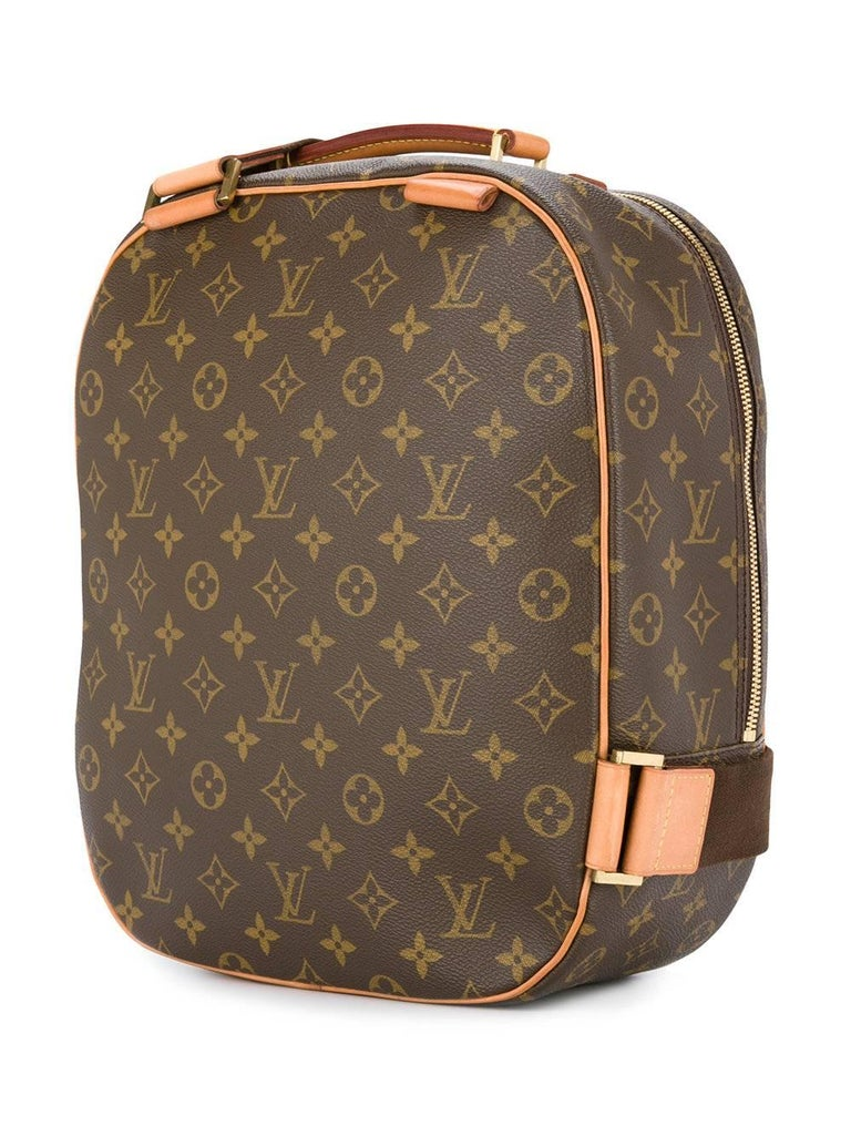 Louis Vuitton Monogram Men's Women's Carryall Travel One Shoulder Backpack Bag In Excellent Condition For Sale In Chicago, IL