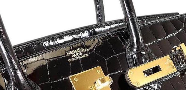 Hermes Birkin 30 NEW Rare Shiny Crocodile Top Handle Satchel Tote Bag in Box In New Condition For Sale In Chicago, IL