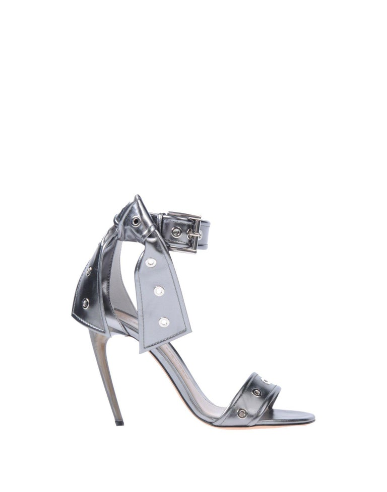 Alexander McQueen NEW Silver Leather Ankle Tie Evening Sandals Heels in Box In New Condition For Sale In Chicago, IL