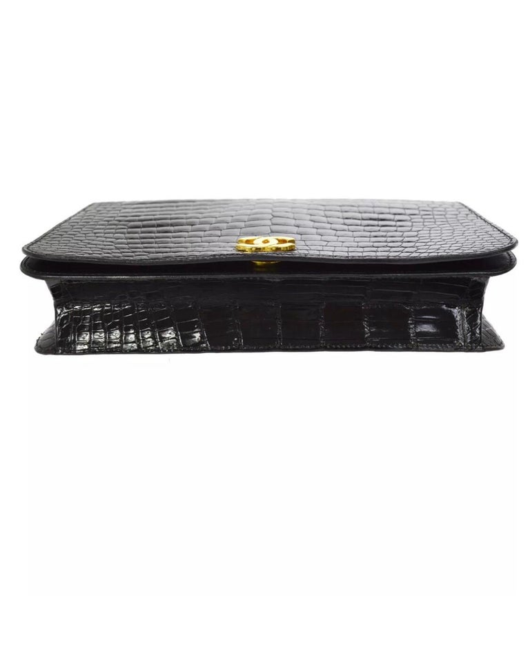 Chanel Vintage Crocodile WOC 2 in 1 Clutch Evening Shoulder Flap Bag In Good Condition For Sale In Chicago, IL