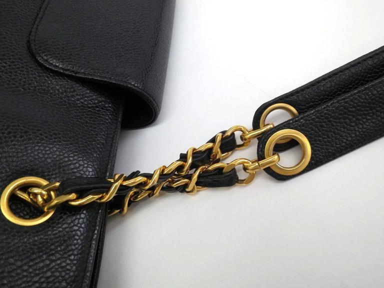 Women's Chanel Black Vintage Caviar Supermodel Overnight Weekender Tote Shoulder Bag For Sale