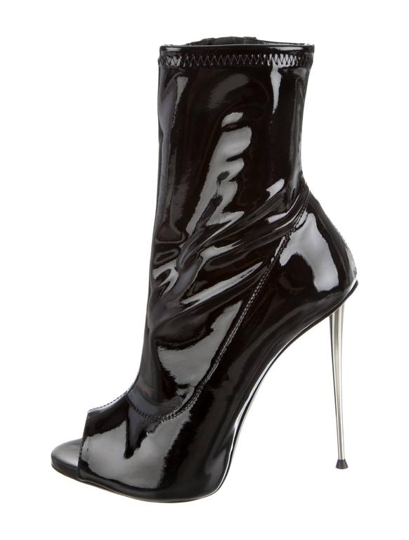 Women's Giuseppe Zanotti NEW Black Patent Leather Silver Stiletto Heels Booties in Box For Sale