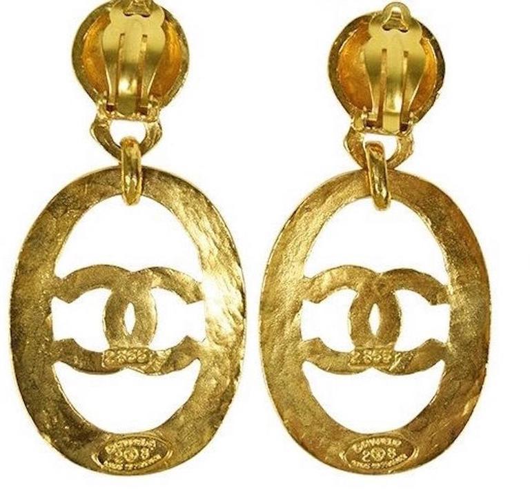 Women's Chanel Vintage Gold Large CC Chanel Paris Doorknocker Round Hoop Earrings in Box
