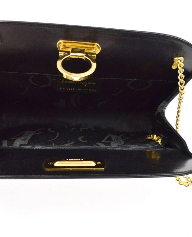 Salvatore Ferragamo Black Leather Envelope 2 in 1 Clutch Flap Shoulder Bag For Sale 3