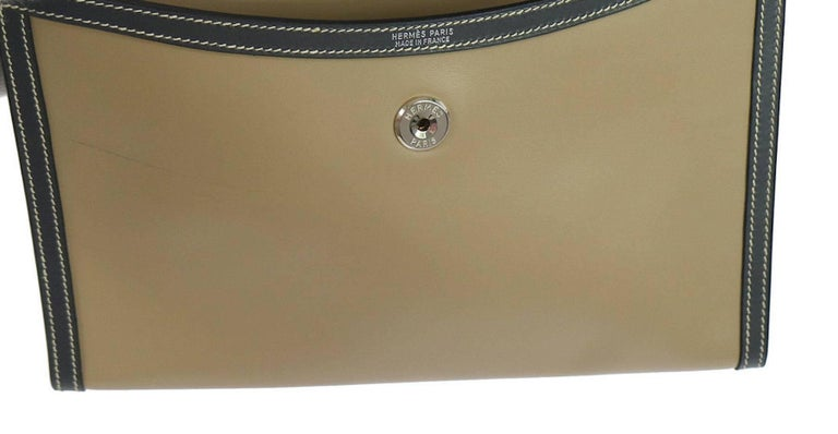 Hermes Rare Taupe Leather Envelope Evening Flap Clutch Bag in Dust Bag In Excellent Condition For Sale In Chicago, IL