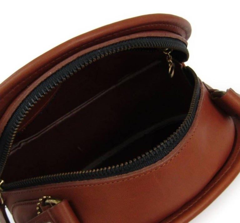Coach Vintage Archive Cognac Leather Round Crossbody Shoulder Bag In  Excellent Condition For Sale In Chicago be5e59c26d864