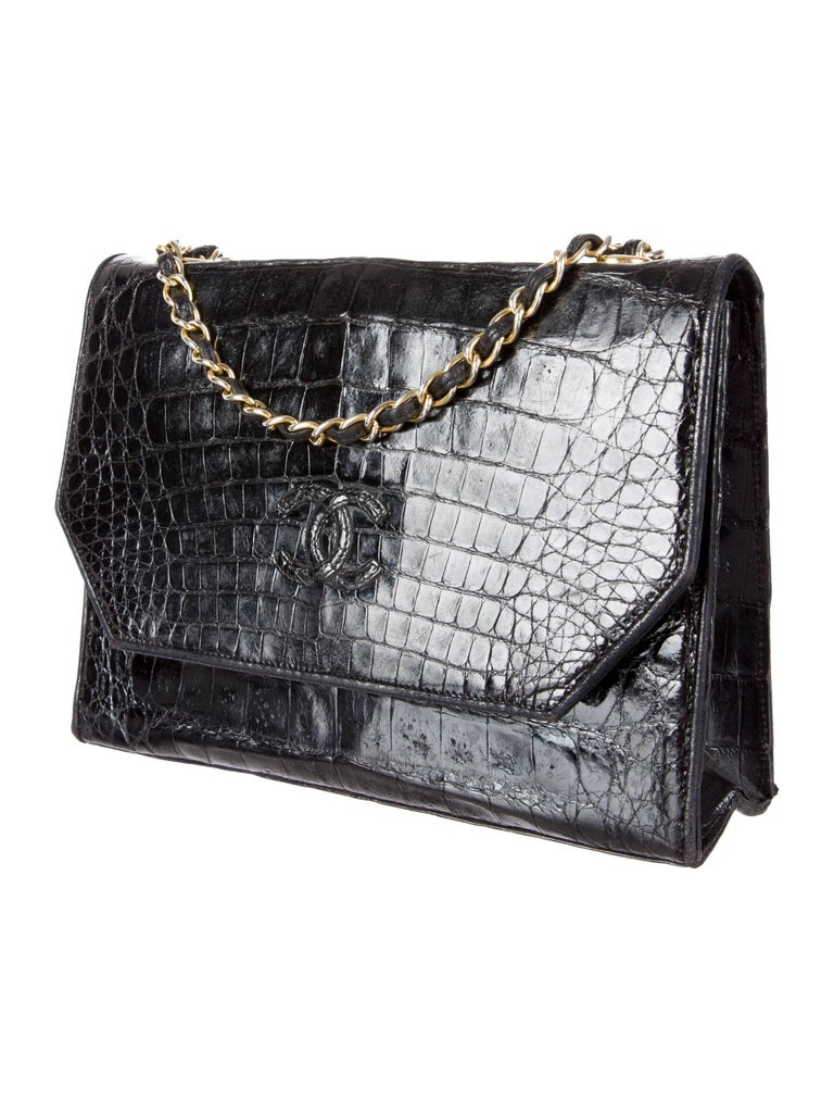 Chanel Black Crocodile Leather Gold Evening Crossbody Shoulder Flap Bag In Excellent Condition For Sale In Chicago, IL