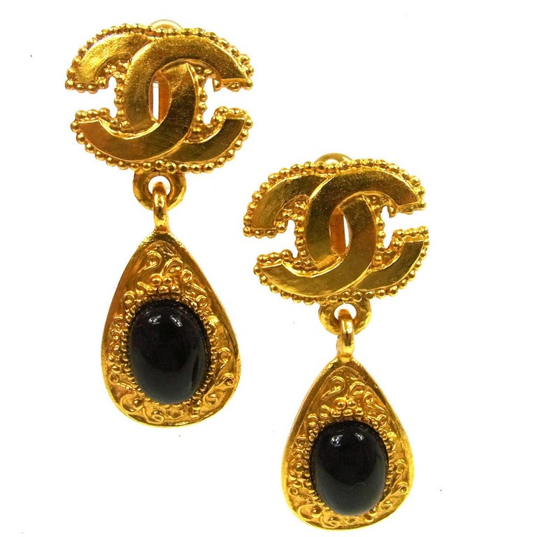Chanel Vintage Black Round On Gold Charm Evening Dangle Drop Earrings For