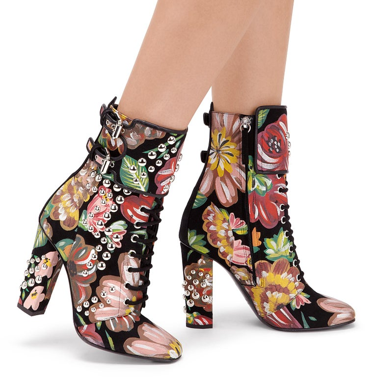 Giuseppe Zanotti NEW Hand Painted Floral Leather Chunky Block Heel Boots in Box  Size IT 36 Leather Gold tone hardware Zip and buckle closures Made in Italy Heel height 4