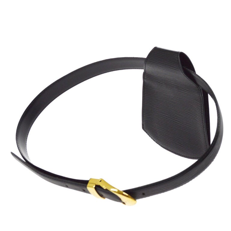 Louis Vuitton Black Leather Men's Women's Fanny Pack Waist Bag  Size listed on belt 34/85 Leather Gold tone hardware Buckle closure Date code present Made in France Total belt length 27-31.5
