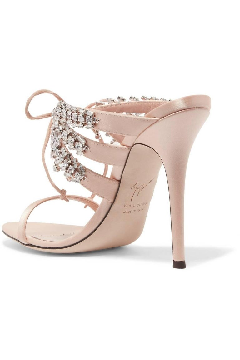 Giuseppe Zanotti NEW Blush Nude Crystal Slide in Mules Sandals Heels  In New Condition For Sale In Chicago, IL