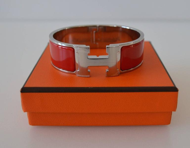 hermes clic clac bracelet pm at 1stdibs. Black Bedroom Furniture Sets. Home Design Ideas