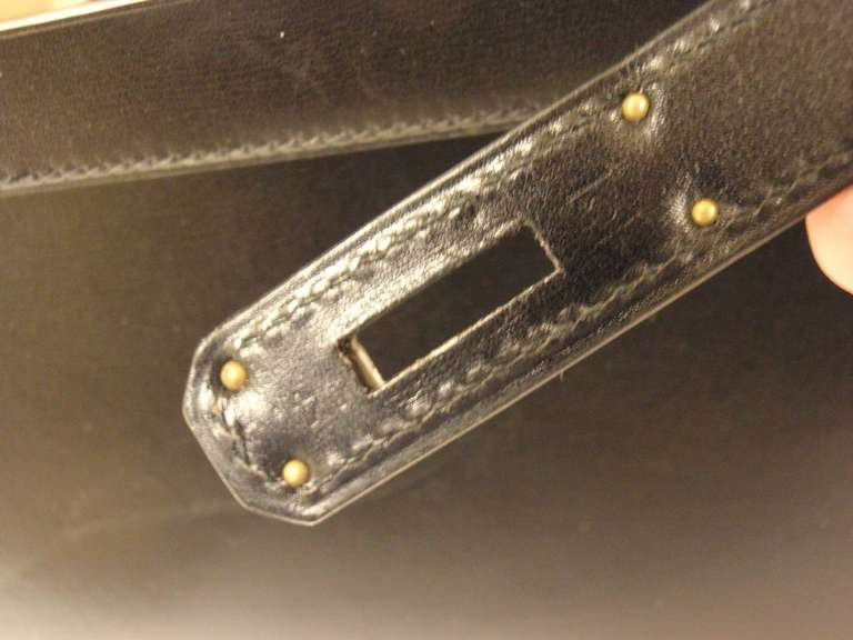 HERMES KELLY 32cm Black Box Calf Silver Hardware Strap Handbag For Sale 3