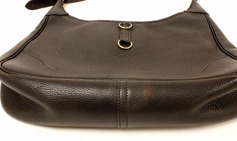 HERMES Trim 31cm Black Taurillon Clemence Leather Shoulder Bag In Excellent Condition For Sale In Holland, PA