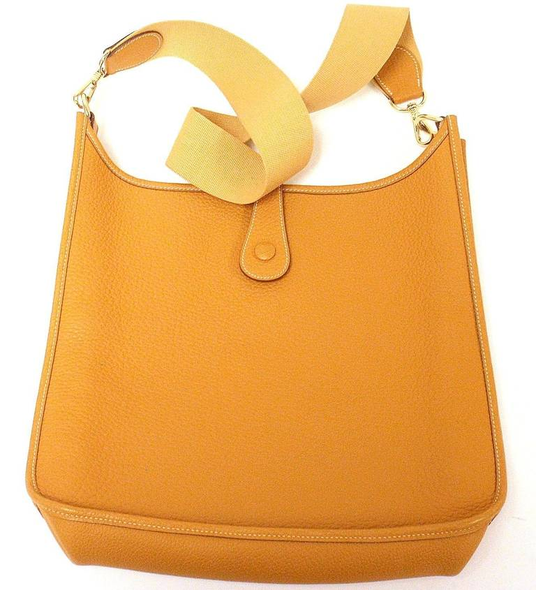 HERMES Evelyne GM Mustard Yellow Clemence GHW Shoulder Bag, 2002 In Excellent Condition In Holland, PA