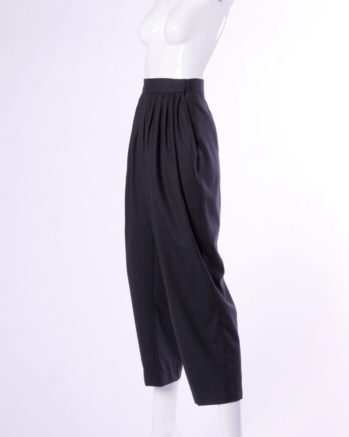 Gianni Versace Vintage 1980s 80s Gray Wool Pleated Pants or Trousers 4