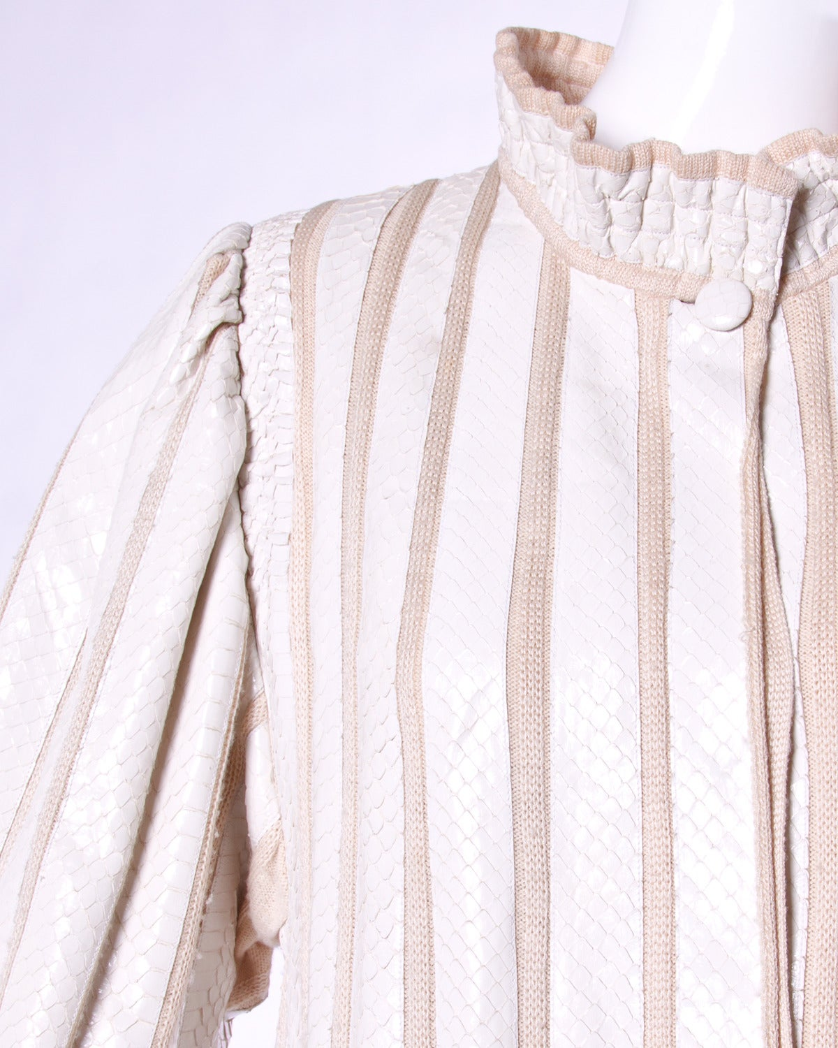 Amen Wardy Vintage 1980s 80s White Reptile Skin Wool + Silk Jacket In Excellent Condition For Sale In Sparks, NV