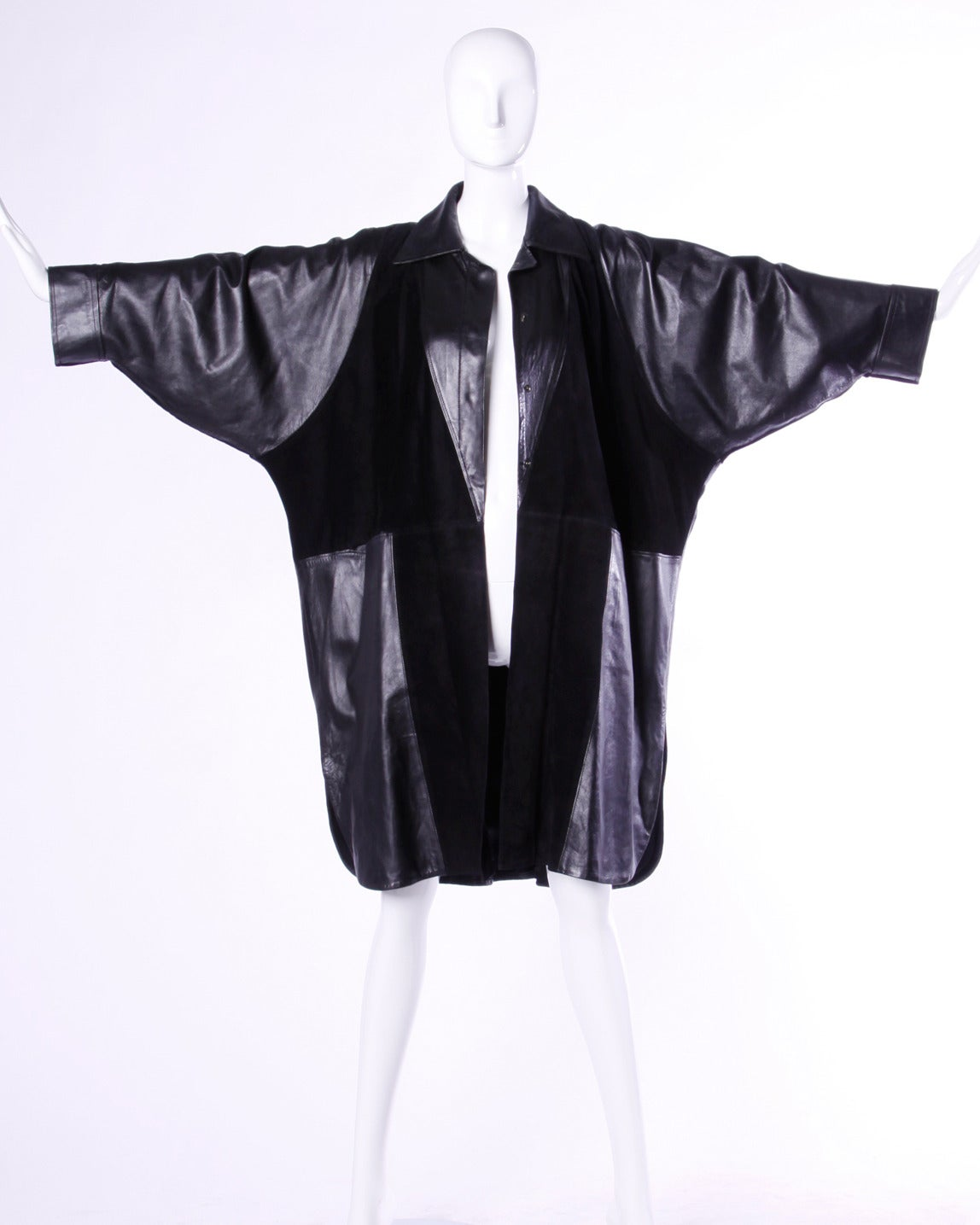 Jean Claude Jitrois Vintage 1980s 80s Black Leather Batwing or Cocoon Coat In Excellent Condition For Sale In Sparks, NV