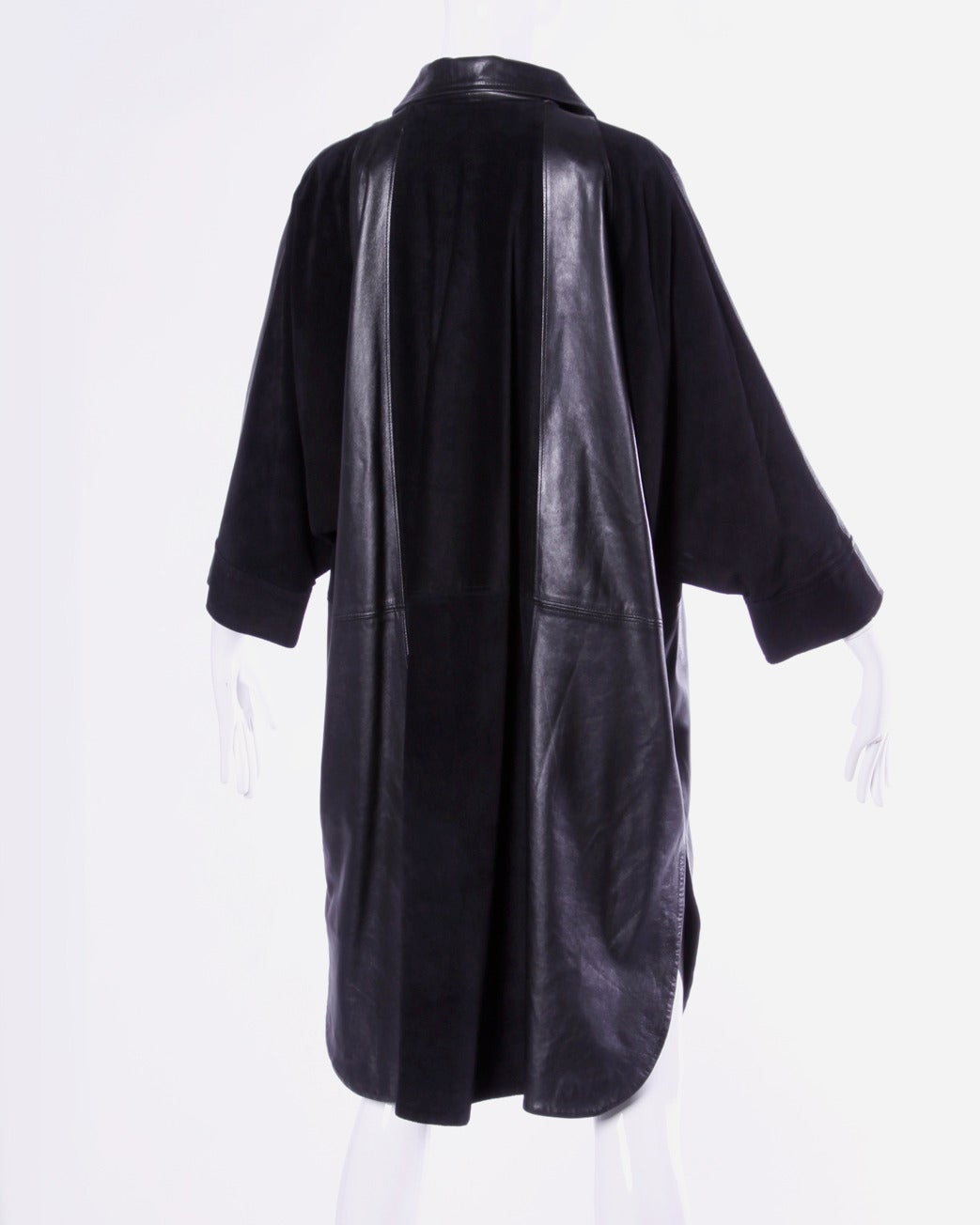Jean Claude Jitrois Vintage 1980s 80s Black Leather Batwing or Cocoon Coat For Sale 4