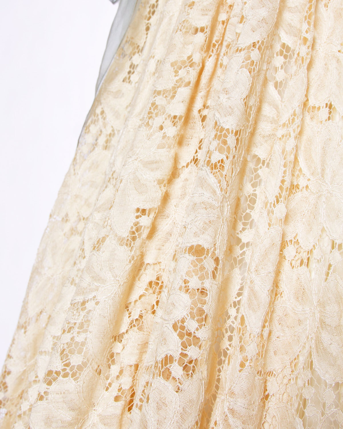 Vintage 1950s 50s Cream Lace Party Dress with Organza Lace Up Ribbon 6