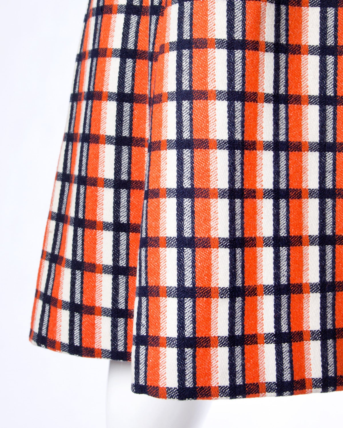 Bill Blass for Maurice Rentner 1960s Wool Plaid Jacket + Skirt Suit Ensemble In Excellent Condition For Sale In Sparks, NV
