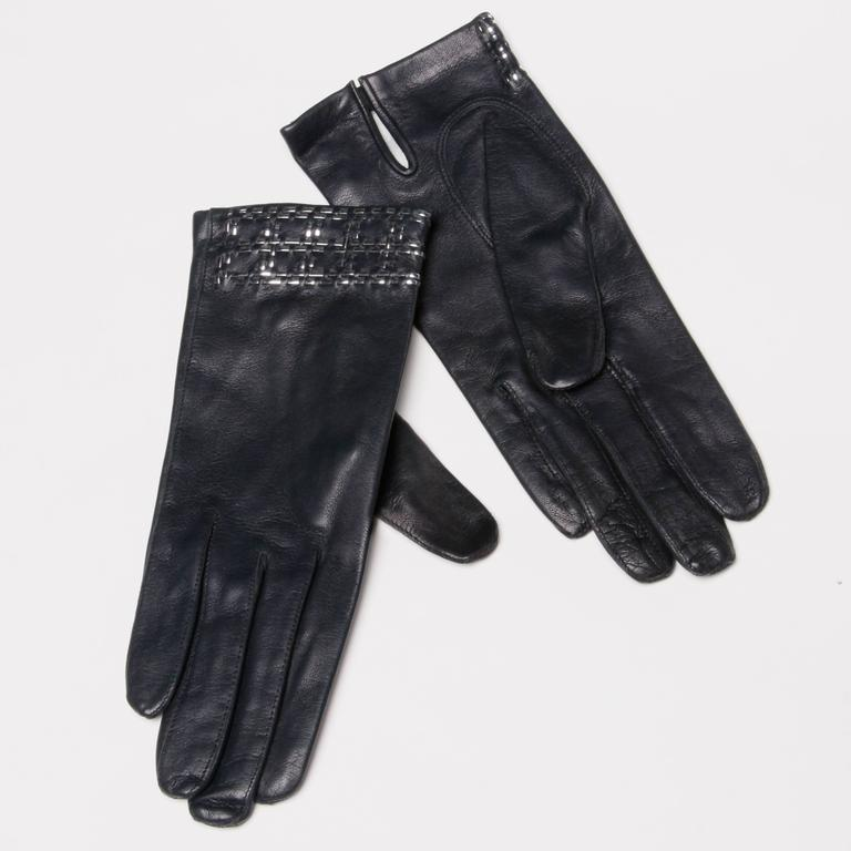 Women's 1970s Christian Dior Vintage Navy Blue Kidskin Leather Gloves with Silk Lining For Sale