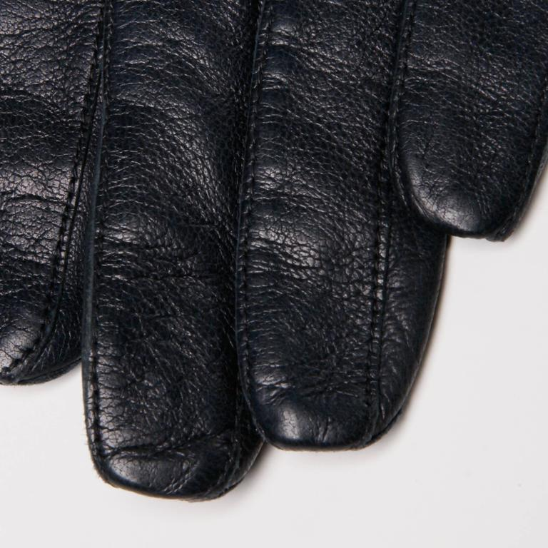 1970s Christian Dior Vintage Navy Blue Kidskin Leather Gloves with Silk Lining For Sale 2