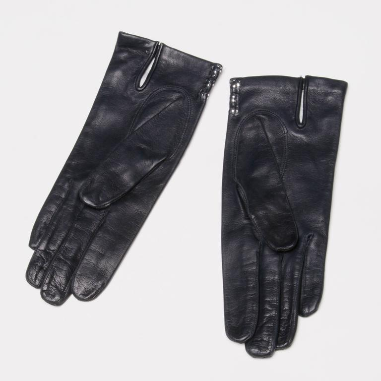 1970s Christian Dior Vintage Navy Blue Kidskin Leather Gloves with Silk Lining For Sale 4