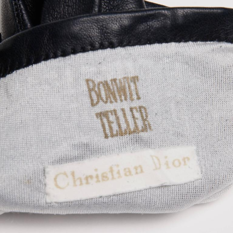 Black 1970s Christian Dior Vintage Navy Blue Kidskin Leather Gloves with Silk Lining For Sale