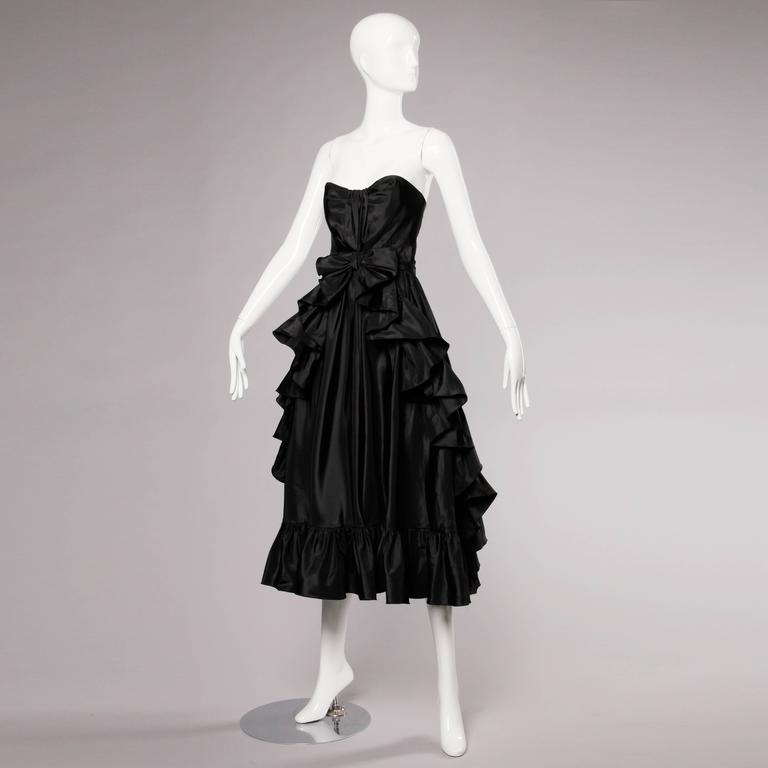 Jean Varon Vintage Strapless Black Taffeta Evening Dress with Ruffles and Bow In Excellent Condition For Sale In Sparks, NV