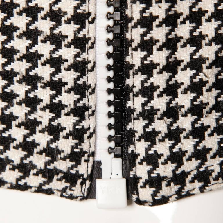 Gianni Versace Vintage 1990s 90s Black + White Houndstooth Sporty Vest Jacket For Sale 1