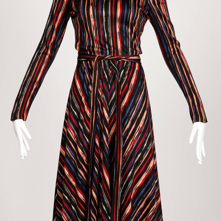 1970s Oscar de la Renta Vintage Jersey Knit Midi Dress with Matching Sash Belt In Excellent Condition For Sale In Sparks, NV