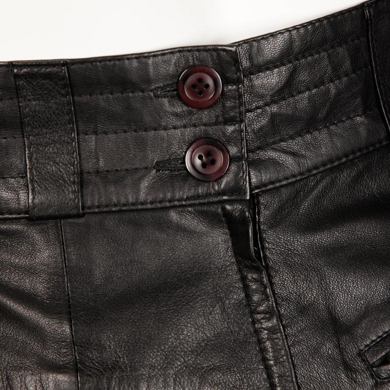 1990s Karl Lagerfeld Vintage Black Leather High Waist Pencil Skirt 26 Small For Sale 3