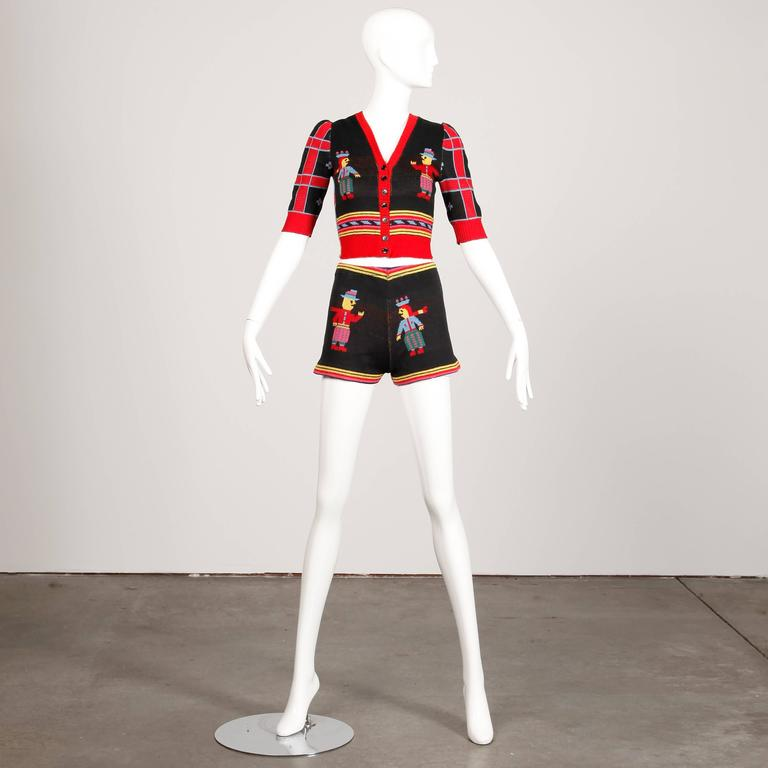 1970s Betsey Johnson for Alley Cat Vintage Knit Top + Shorts Ensemble 2