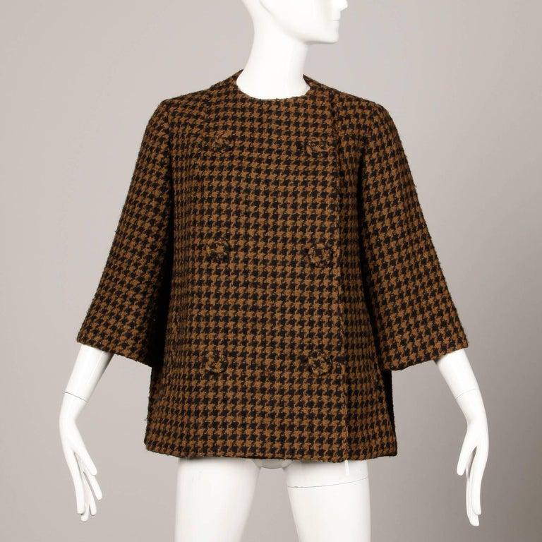 1960s Mr. Blackwell Custom Vintage Black + Brown Houndstooth Wool Jacket or Coat In Excellent Condition For Sale In Sparks, NV