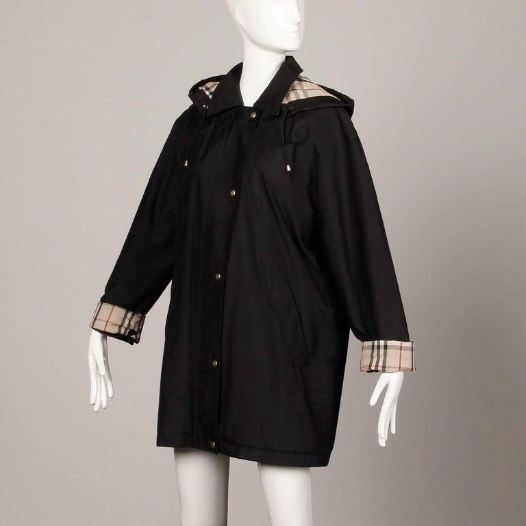 Burberry Black Rain Coat Or Jacket With Nova Plaid Lining