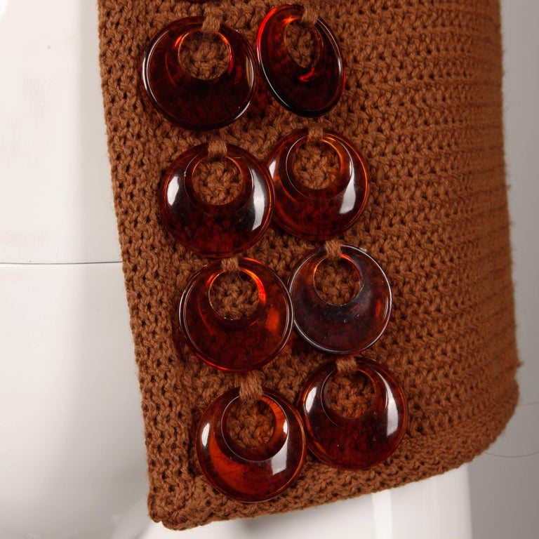 1960s Vintage Ethel Beverly Hills Brown 100% Wool Knit Rings Cardigan Sweater  For Sale 3