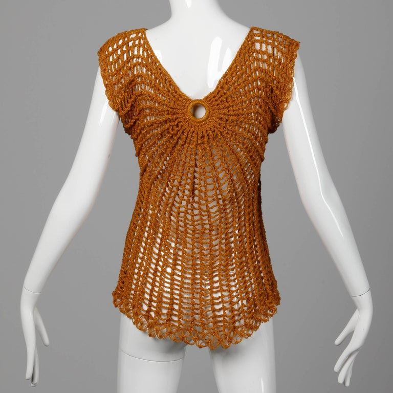 Vintage Metallic Gold Hand Crochet Knit Sweater Top or Shirt, 1970s  In Excellent Condition For Sale In Sparks, NV