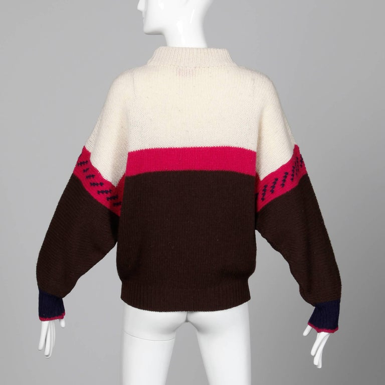 Women's 1990s Byblos Vintage 100% Wool Chunky Knit Sweater Top with Flower Design For Sale