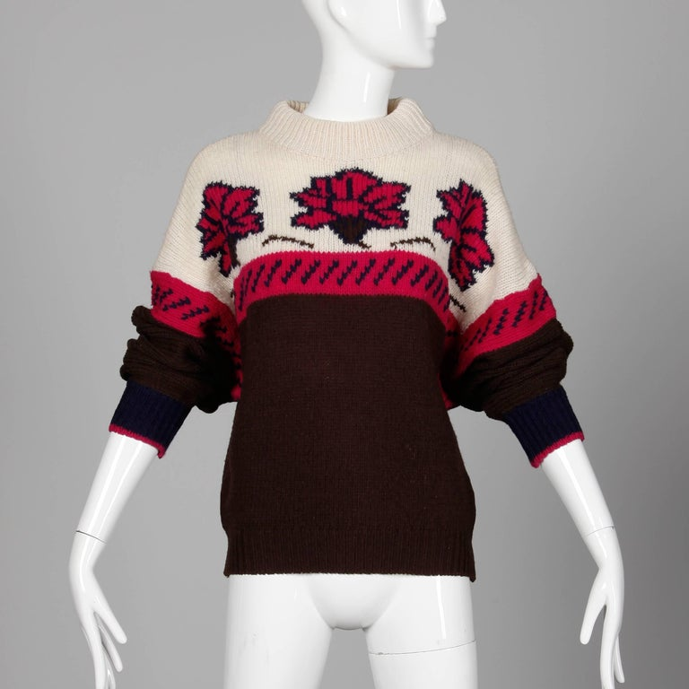 Black 1990s Byblos Vintage 100% Wool Chunky Knit Sweater Top with Flower Design For Sale