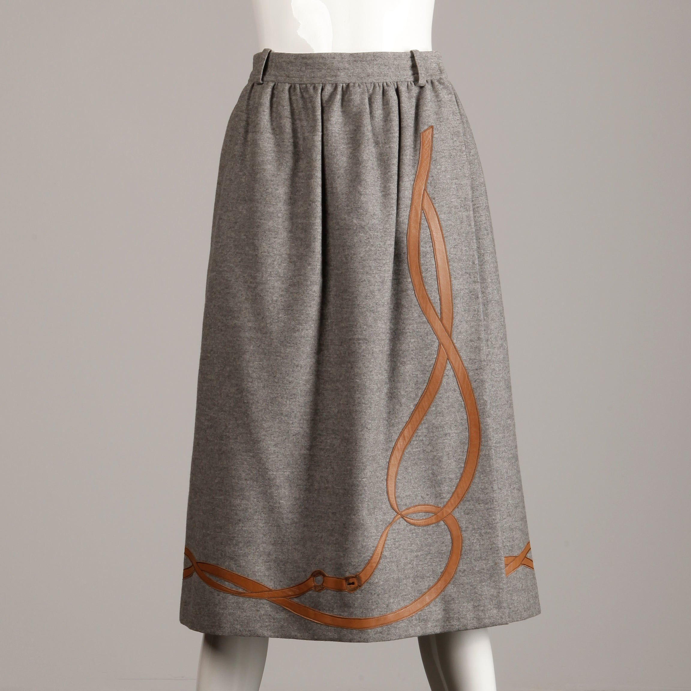 1221713119 1970s Gucci Vintage Gray Wool + Brown Leather Skirt with Horse Bit Buckle  Design For Sale at 1stdibs