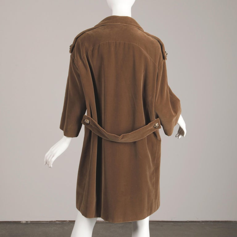 1960s Charles Cooper for Nan Duskin Vintage Brown Velvet Military Mod Coat For Sale 5